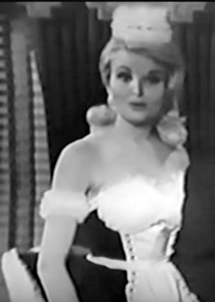 1965-09-16 Dean Martin Show - Inga Neilsen (7).JPG